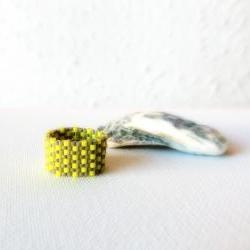 Textured band ring. Yellow grey beaded custom modern jewelry tbteam,